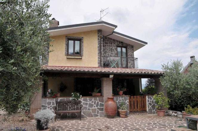 Villa a SEGNI
