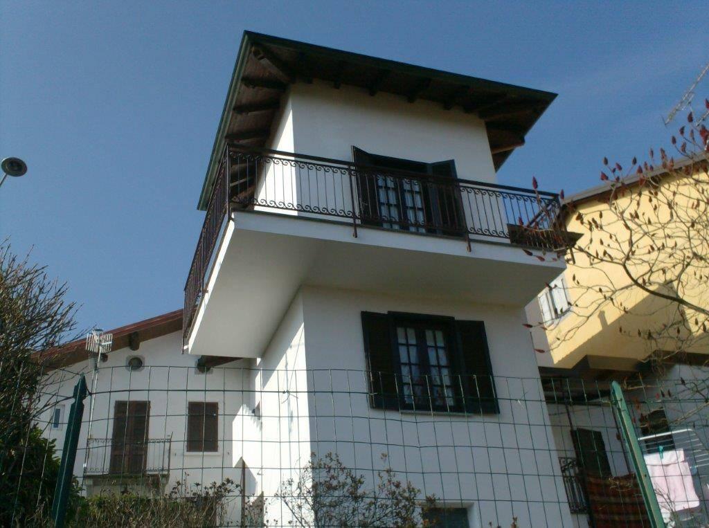 Casa semi indipendenteaARONA