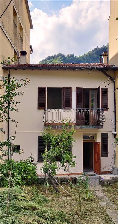MARRADI, terraced house for sale of 180 Sq. mt., Quite good conditions, Heating Individual heating system, Energetic class: G, Epi: 379,7 kwh/m2 year,