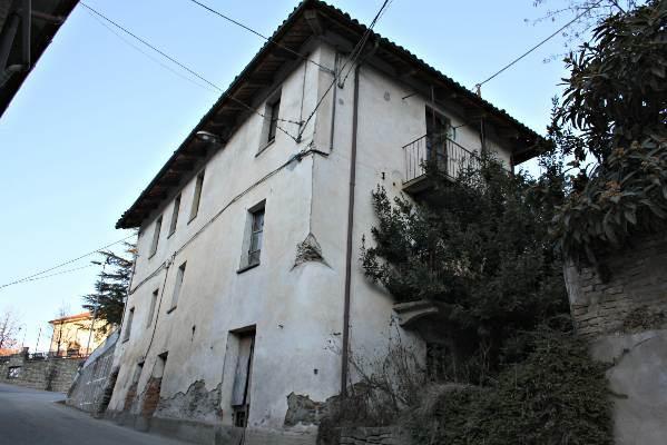 Foto 1 di Casa Trezzo Tinella
