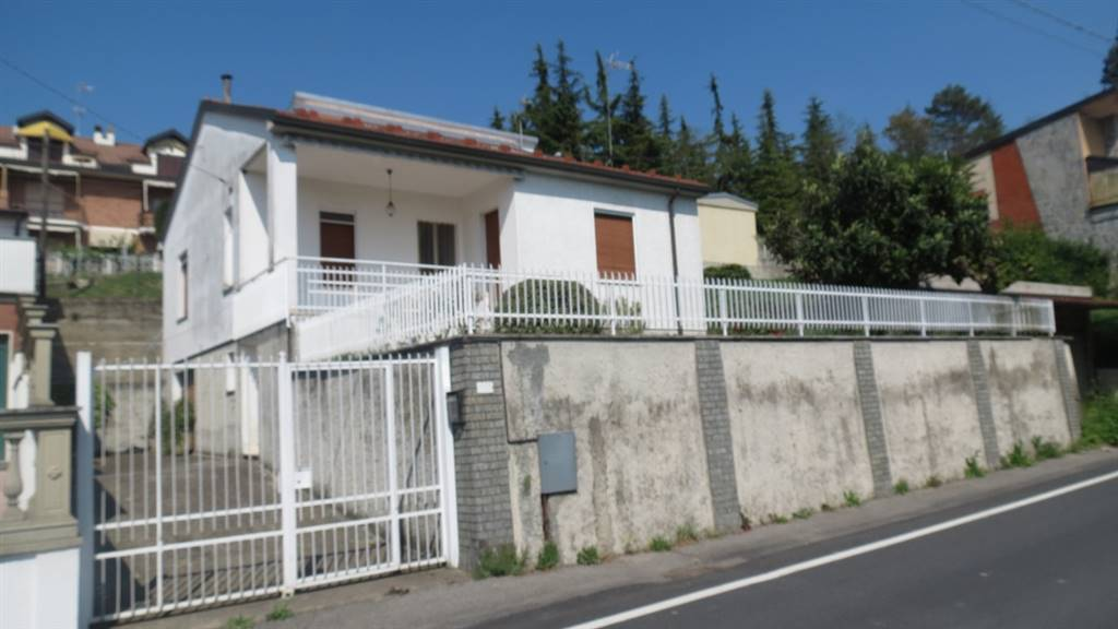 Casa singolaaSAN SALVATORE MONFERRATO