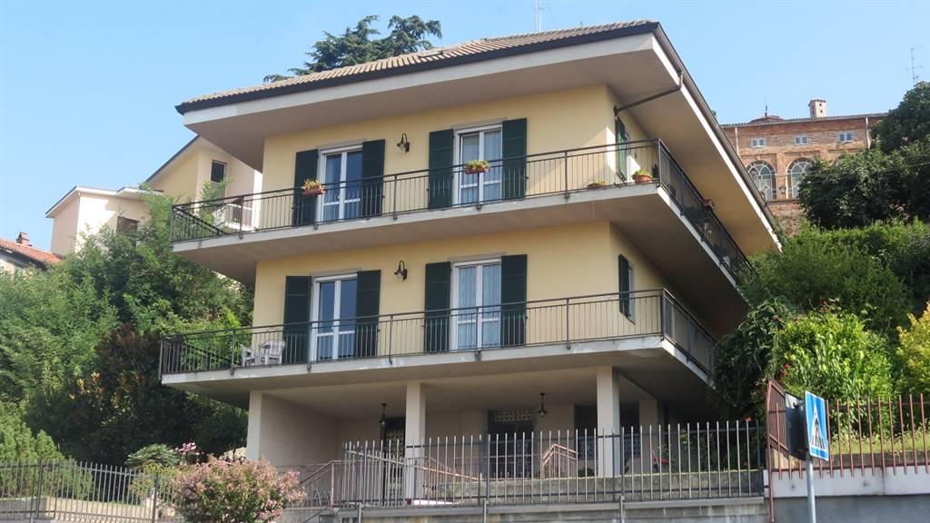 Villa a SAN SALVATORE MONFERRATO