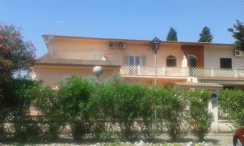 Villa bifamiliare a CASSANO ALLO IONIO