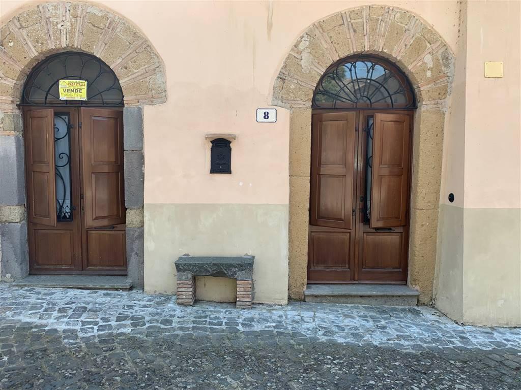 facciata con persiane - Rif. CA/39