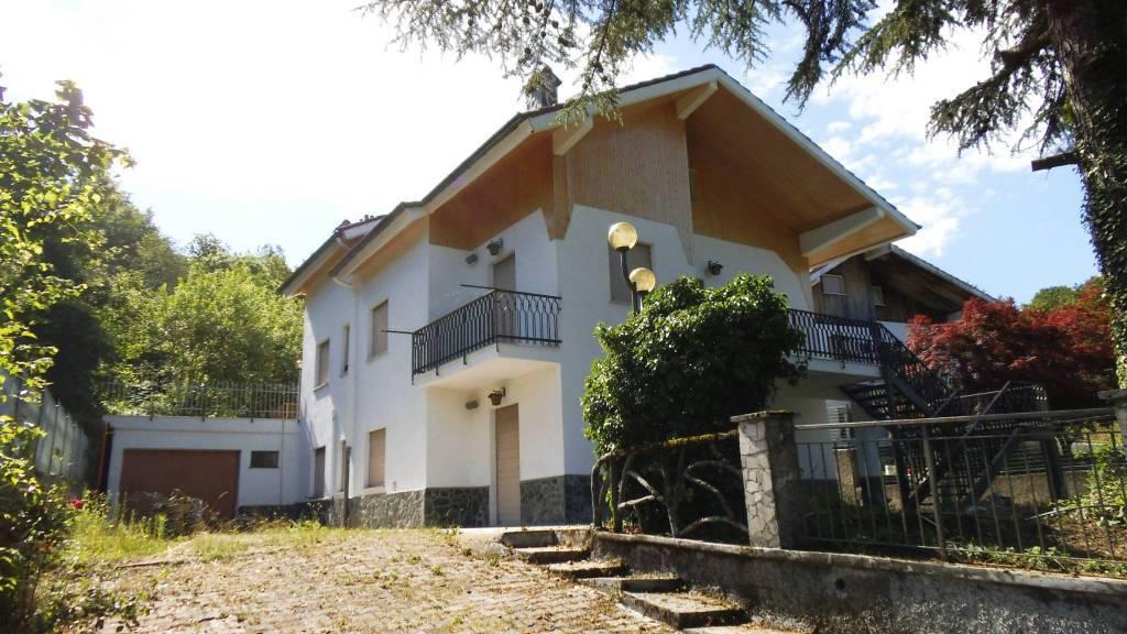 Villa a TORRIGLIA